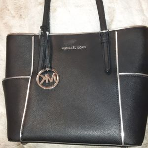 Michael Kors Jet Set Purse
